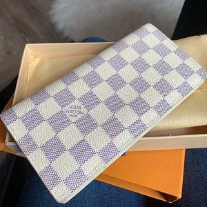 • brand new Louis Vuitton Brazza Wallet •